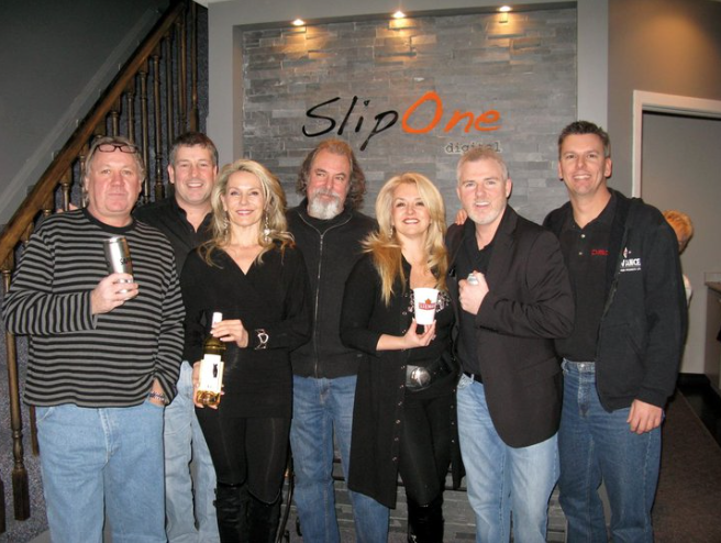 The Pub Show with Bill Perrie and Glass Tiger.