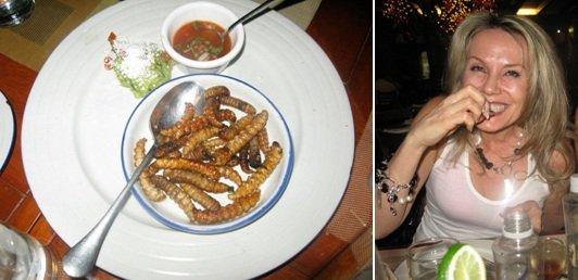 Georgia eating worms, Casa Herradura.