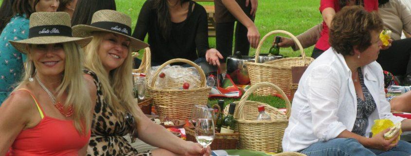 Santa Rita Winery, Chile - International Women's Day journalist picnic.