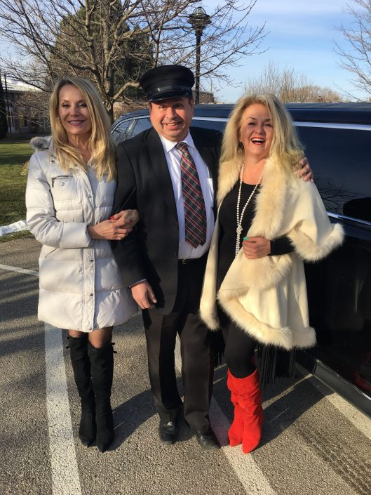 TheWine Ladies VIP Wine Tour with our limo driver Shawnee of 6Na Presidential Limousine Services